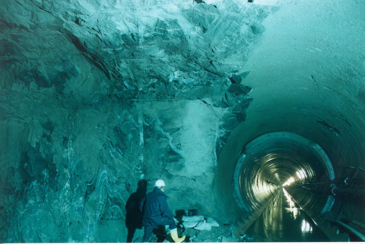 Fragile Srl - Tunneling 2